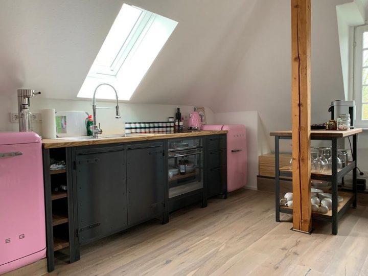 Authentic Kitchen rockt mit SMEG Geräten in Cadillac Pink!