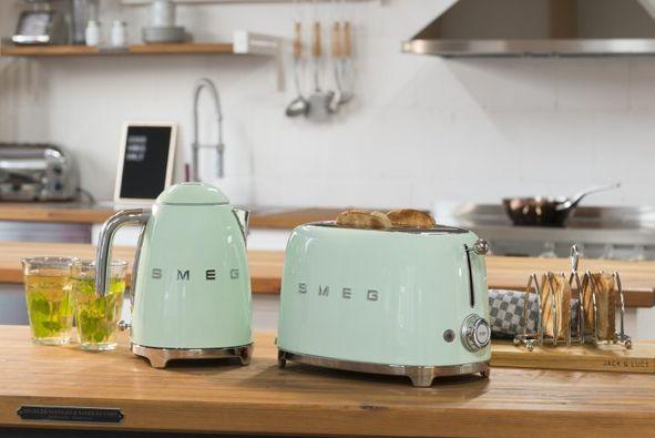 SMEG- die bunten Küchenwerkzeugwelt in Pulheim-Brauweiler